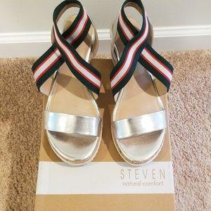 Steve Madden Platform Shoes, size 6.5